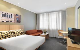 Travelodge Phillip Street Sydney