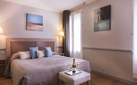 Hotel Apollinaire Paris