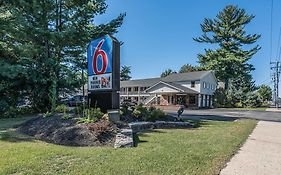 Motel 6 Albany Airport 2*