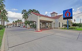Motel 6 Edinburg Texas