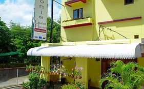 Adonis Guest House Phuket