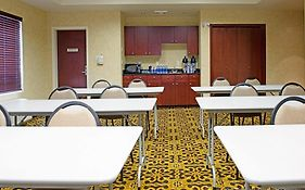 Holiday Inn Express & Suites Slave Lake