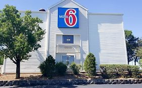 Motel 6 Maryland Heights