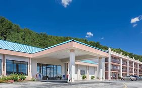 Howard Johnson Inn And Conference Center Salem