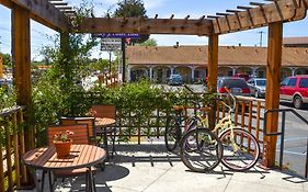 Bay Front Inn Santa Cruz California