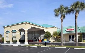 Days Inn By Wyndham Fort Pierce Midtown photos Exterior
