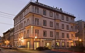 Card International Hotel Rimini 4*