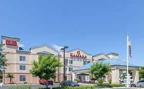 Ramada By Wyndham Fresno Northwest photos Exterior