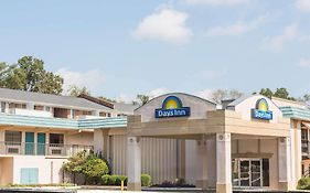 Days Inn Athens 2*