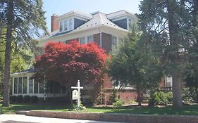 Red Lion Bed & Breakfast Bed And Breakfast