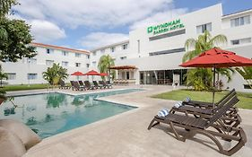 Hotel Holiday Inn Express Playa Del Carmen