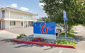 Motel 6 on 76th Street