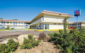 Motel 6 Denver Thornton