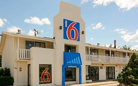 Motel 6 Leominster Mass