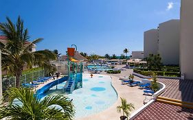 Aqua Marina Beach Hotel Cancun