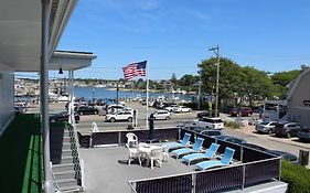 Hyannis Holiday Motel Reviews