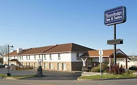 Travelodge Inn & Suites By Wyndham Muscatine photos Exterior