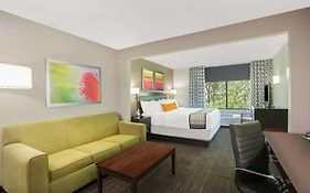 Wingate by Wyndham Columbia Mo
