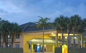 Super 8 Motel Hollywood Fl