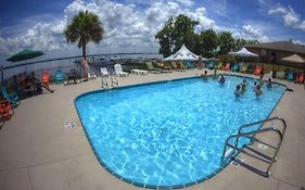 Crystal Cove Resort Palatka