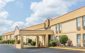 Super 8 By Wyndham Knoxville Downtown Area