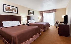 Howard Johnson Inn And Suites Toronto East