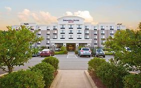 Pittsburgh Mills Hotels