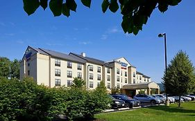 Fairfield Inn & Suites By Marriott Cumberland photos Exterior