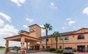 Days Inn And Suites Pasadena Tx
