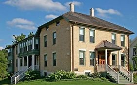 Barrington House Bed And Breakfast 4*