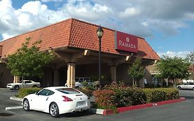 Ramada By Wyndham Fresno North 3*