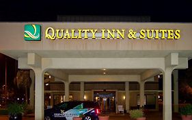 Quality Inn And Suites Clearwater Fl