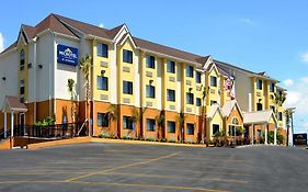 Microtel Inn And Suites by Wyndham New Braunfels