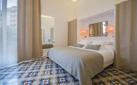 Anakena House Bed & Breakfast Barcelona