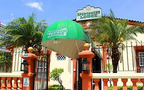Sportsmens Lodge (Adults Only)