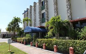 Chateau Blue Hotel Miami
