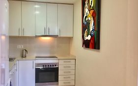 Borbon - 3 Bedroom Apartment, 30 Day Min Stay! Barcelona