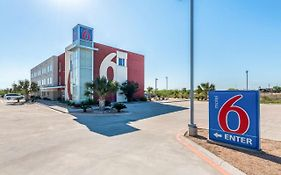 Motel 6 Three Rivers, Texas