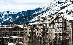 Four Seasons Hotel Jackson Hole 5*