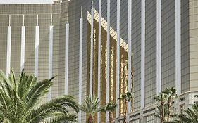 Four Seasons Hotel Vegas 5*