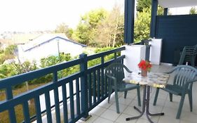 Rental Apartment Les Hauts de Loraldia - Saint-Jean-de-Luz, 1 Bedroom, 4 Persons - Pop 6613