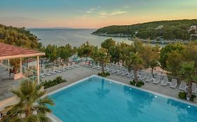 Gava Waterman Resort Milna