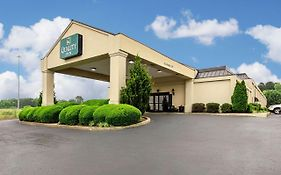 Econo Lodge Holly Springs Mississippi