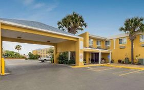 Quality Inn & Suites on The Beach Corpus Christi