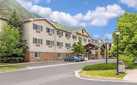 Quality Inn & Suites on The River Glenwood Springs Co