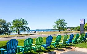 Sleep Inn And Suites Traverse City 2*