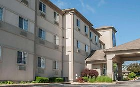 Sleep Inn & Suites Lake Of The Ozarks 2*