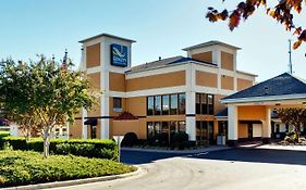 Quality Inn And Suites Matthews