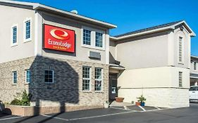 Econo Lodge Inn & Suites Airport North Syracuse Ny