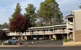 Elmwood Motel